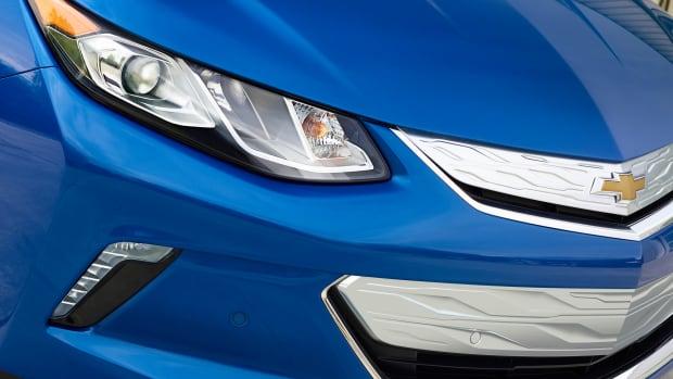 2016-Chevrolet-Volt-020.jpg