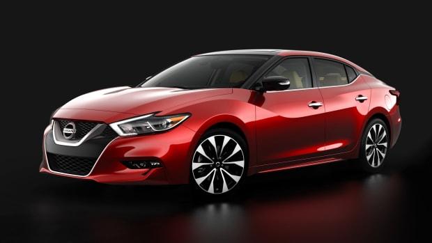 2016_Nissan_Maxima_teaser_01.jpg