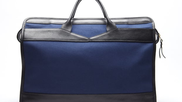 Canvas-and-Leather-Holdall-Travel-Bag_-Navy-2_1024x1024.jpg