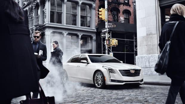 2016-Cadillac-CT6-010.jpg