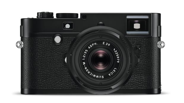 Leica+M+Monochrom_Typ246_Summicron-M_35_blackchrome_front.jpg