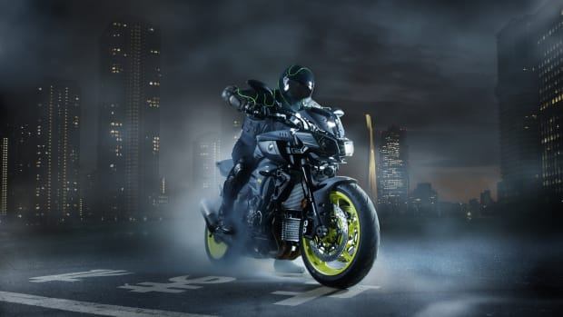 2016-Yamaha-MT-10-EU-Night-Fluo-Static-003.jpg