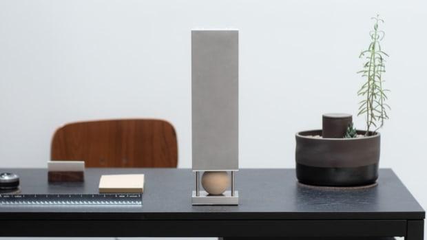 desk2-1140x776.jpg