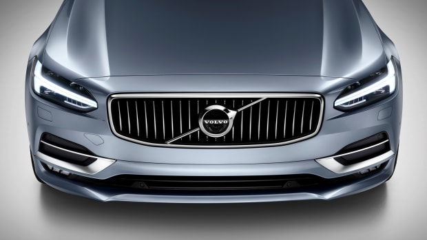 170127_Front_High_Volvo_S90_Mussel_Blue.jpg