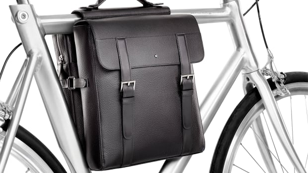 Montblanc Soft Grain Bicycle Pannier Case_Mood 03.jpg