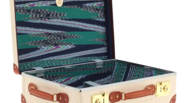 MISSONI_21TC_ANGLED_OPEN-WITH-STRAP.jpg