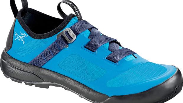 Arakys-Approach-Shoe-Aquamarine-Luxor.jpg