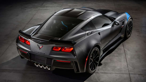 2017-Chevrolet-Corvette-GrandSport-002.jpg