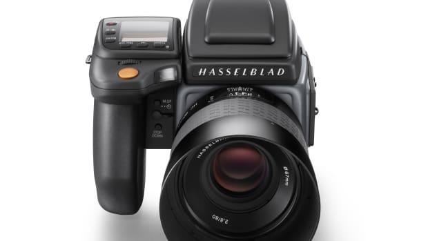 Hasselblad-H6D-100c_front-shot_WH1.jpg