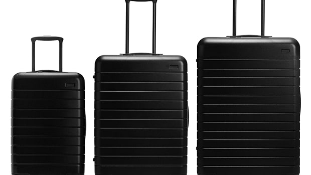 Away_Luggage_Set_Black.jpg