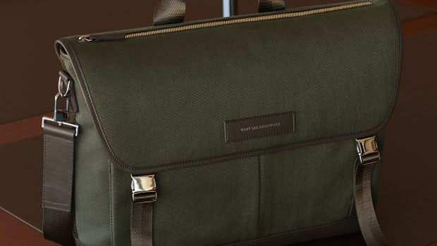 WANT_Les_Essentiels_Jackson_Messenger_Bag_03.jpg