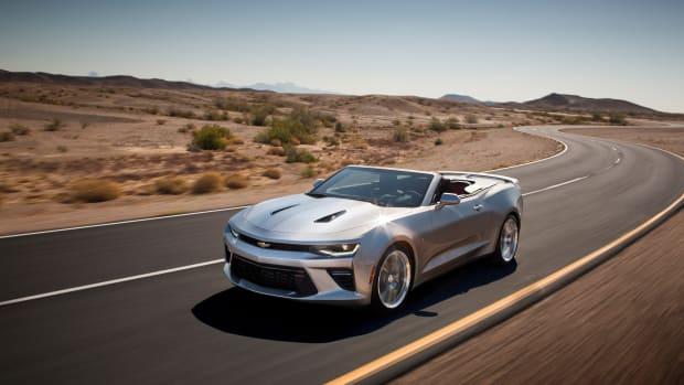 2016-Chevrolet-Camaro-Convertible-023.jpg