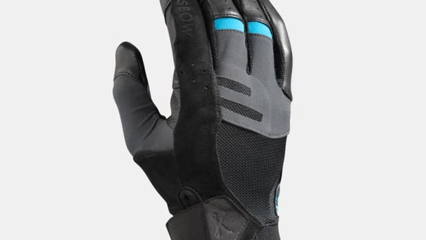 light_black_glove_front_hero1.jpg