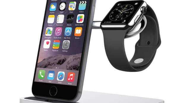 F8J183_Charge_Dock_iPhone_AppleWatch(3).jpg
