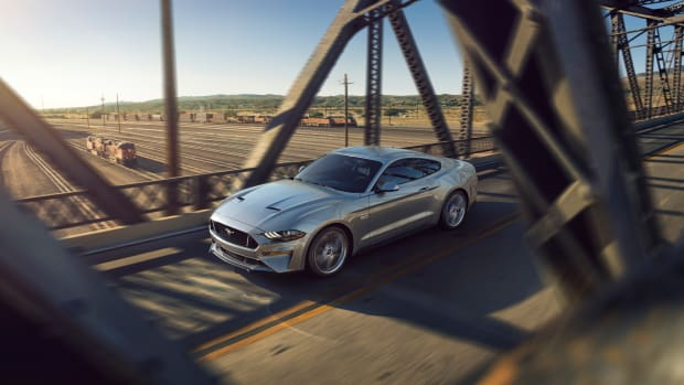 New-Ford-Mustang-V8-GT-with-Performace-Pack-in-Ingot-Silver.jpg