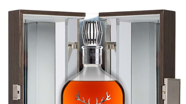 The-Dalmore-35-bottle-and-box-low-res.jpg