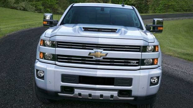 2017-Chevrolet-Silverado-2500HD-003.jpg