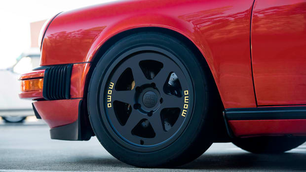 Momo Heritage 6 Wheel