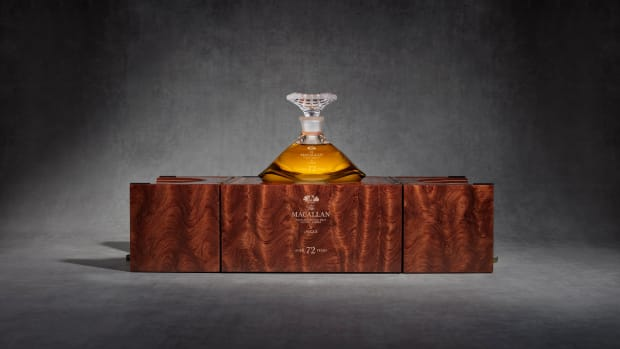 mac-2018-72-years-old-in-lalique-genesis-decanter-box-open-with-decanter-and-stopper