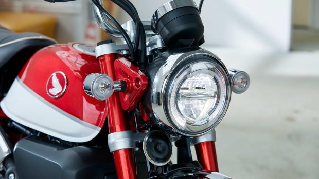19 Honda Monkey_headligft