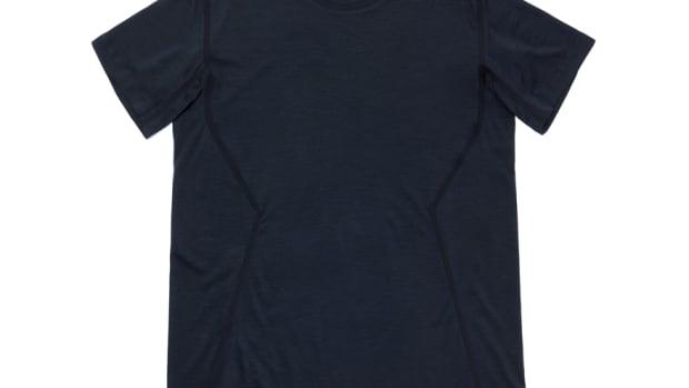 201-Outlier-RunflatMerinoT-Shirt-BlackNavy-Front