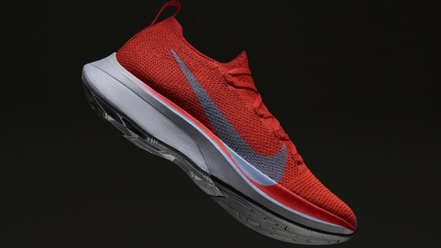 Zoom_Vaporfly_4_Percent_Tilt_hd_1600