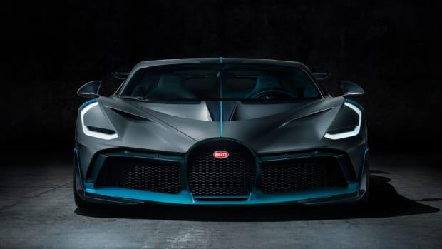 csm_03_Bugatti-Divo_Front_12a24e0095