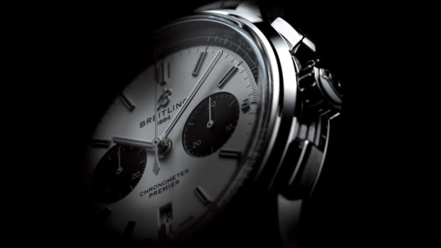 05_Premier_B01_Chronograph_42_with_silver_dial_and_black_alligator_leather_strap_2_