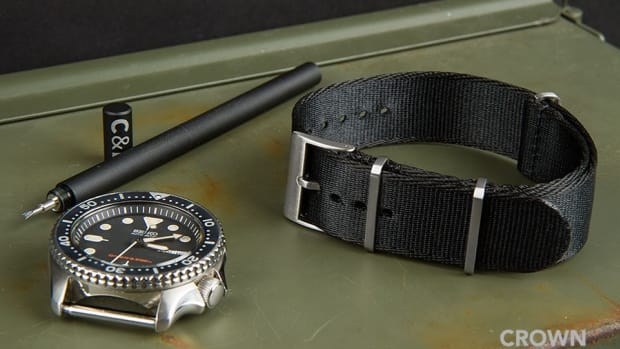Crown and Buckle Supreme Nato