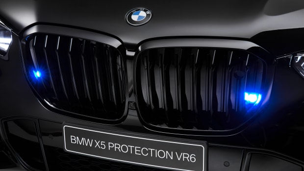 P90363300_highRes_the-new-bmw-x5-prote