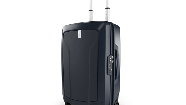 Thule Revolve Luggage