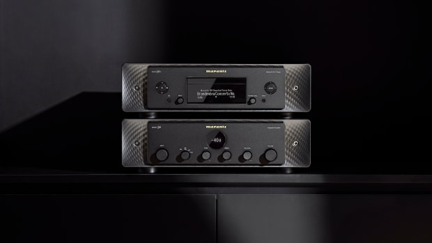 Marantz_Model30_SACD30_Combo_Black_lifestyle3