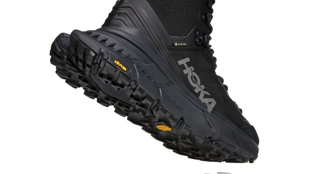 Hoka One One TenNine Hike