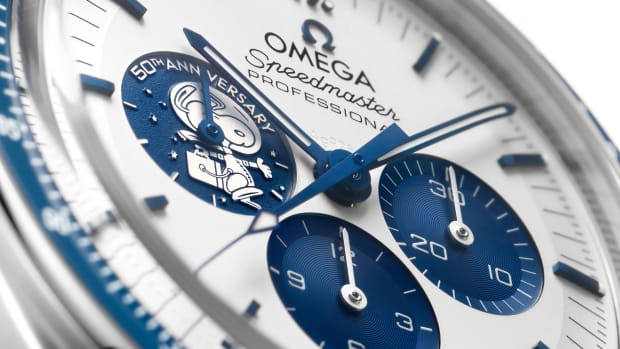 omega310-32-42-50-02-001close-updial-jpg.