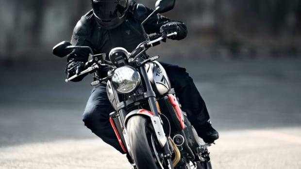 Trident---Hero-Riding-7