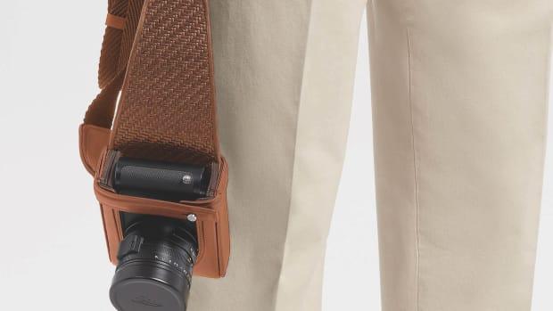 LHPTA-C1714C-VIC-A_LeicaCamera_Zegna_2020_HolsterVicuna_CMYK