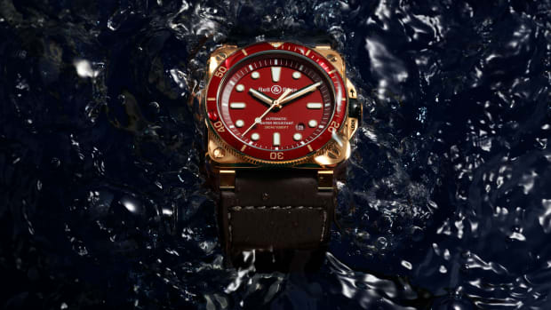 K10-04-BR03-diver-Red-bronze-water
