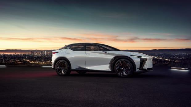 2021-Lexus-LFZ-0015