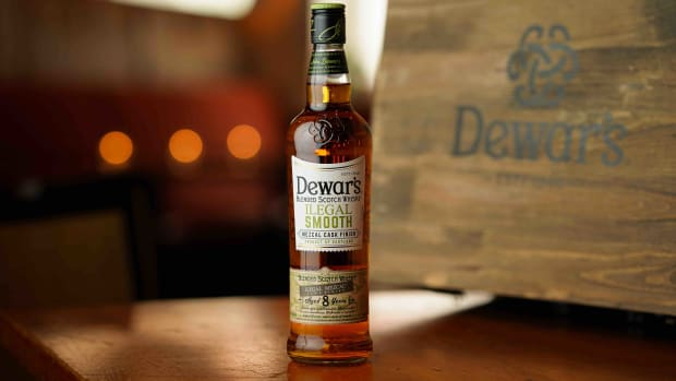 Dewar's Illegal Smooth