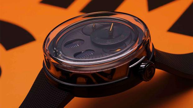 HYT-H0-BlackFluid-Lifestyle-2-3500x3500