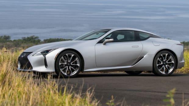 2021-Lexus-LC-014