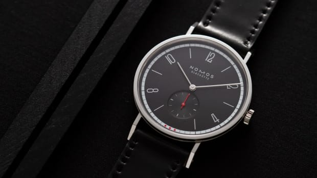 2000_ace_x_nomos_tangente_38_amsterdam_limited_edition_2020_-1