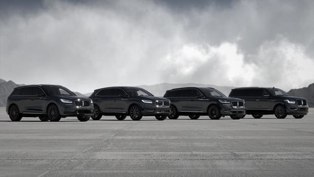 Lincoln Monochromatic Package