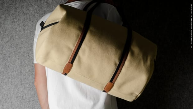 canvas-barrel-bag-04