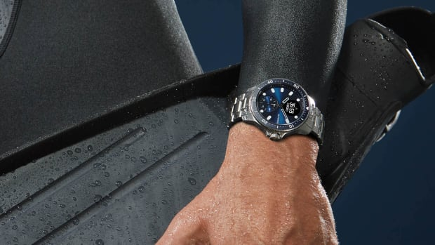 WITHINGS_ScanWatch_Horizon_blue_lifestyle_dive
