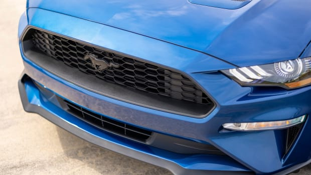 2022 Ford Mustang Stealth Edition_08
