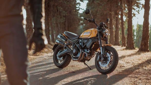 MY22_DucatiScrambler_1100TributePro_038_UC342888_Mid