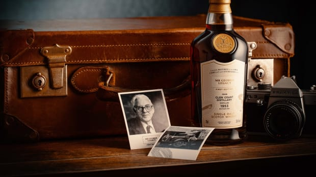Mr George Legacy 1953 from Glen Grant Distillery_with camera