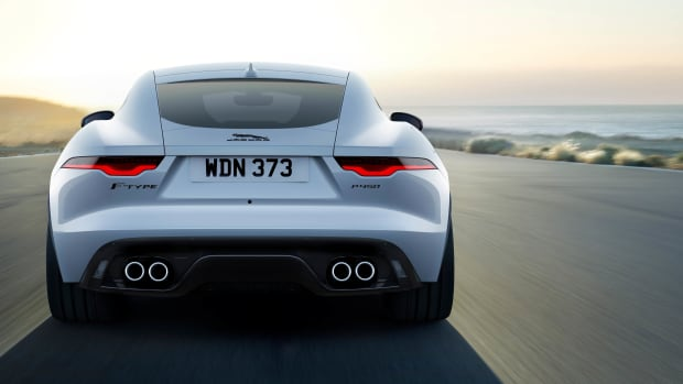 Jag_F-TYPE_22MY_P450_R-Dynamic_Coupe_Exterior_120421_002