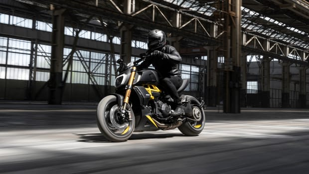 MY22_Ducati_Diavel_1260_S _6__UC294029_Mid